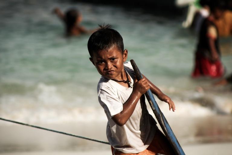 instagram-photographer-travel-specialist-blogger-indonesia-kid-surfing
