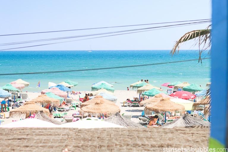 instagram-photographer-specialist-summer-malaga-lacubana-bikinis-beach-sunbeds-colors-mediterranean