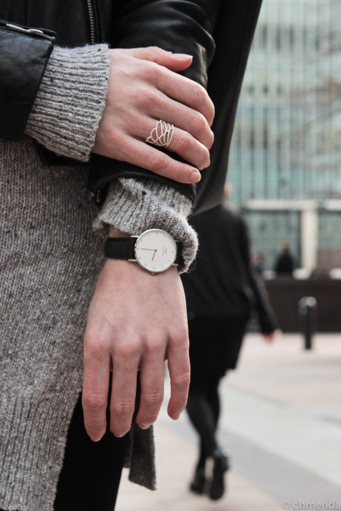 instagram-photographer-specialist-london-kensington-leatherjacket-casual-girl-spanish-fashionphotoshoot-canarywharf-danielwellington-watch